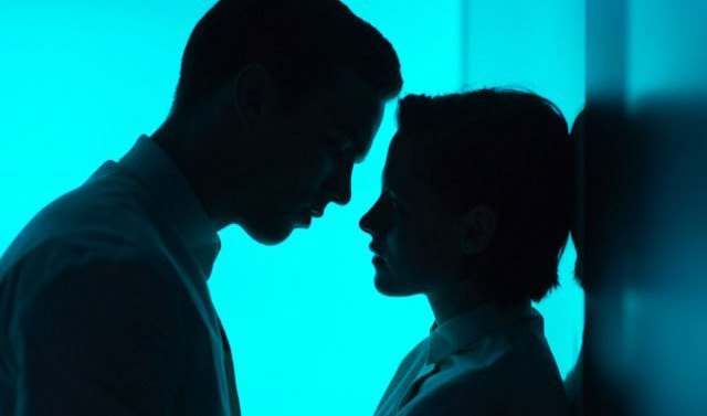 Equals_-_Foto_del_Film_00_mid
